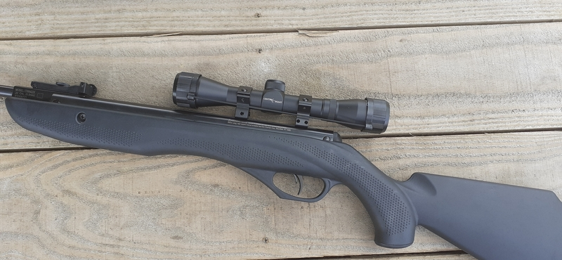 Crosman Phantom Model CS6M22X .22  Air Rifles