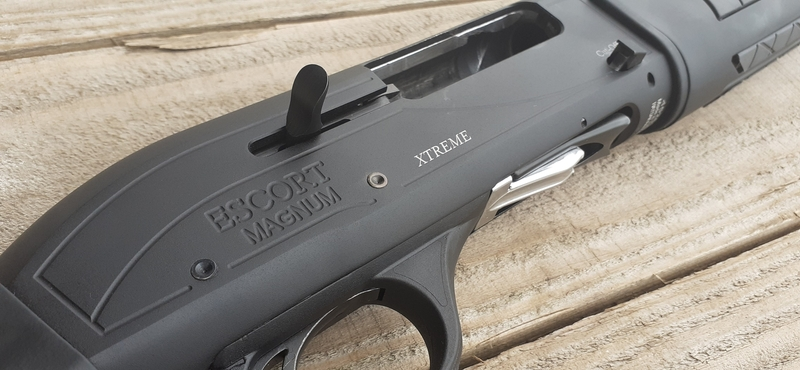 Hatsan Arms Escort Xtreme Black 12 Bore/gauge  Semi-Auto