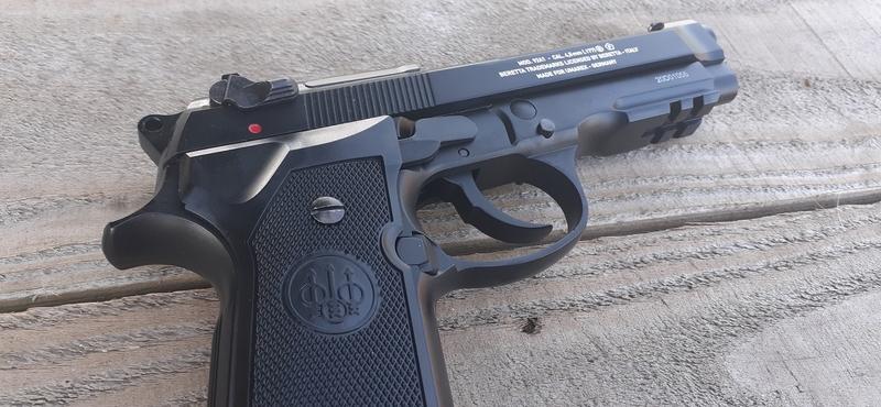 Umarex M92A1   Air Pistols