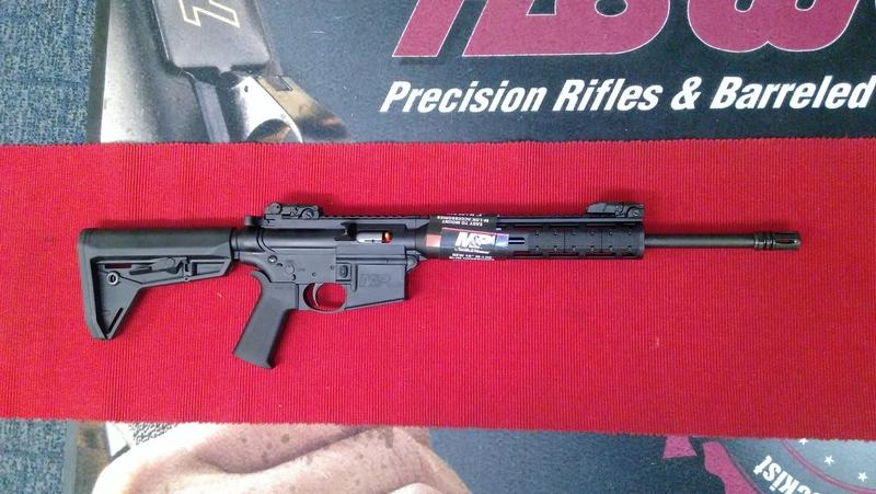Smith & Wesson M&P 15-22 MOE BLACK Semi-Auto .22  Rifles