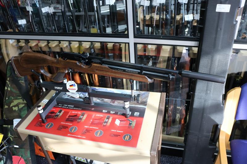 Weihrauch HW100T - Thumbhole .22  Air Rifles