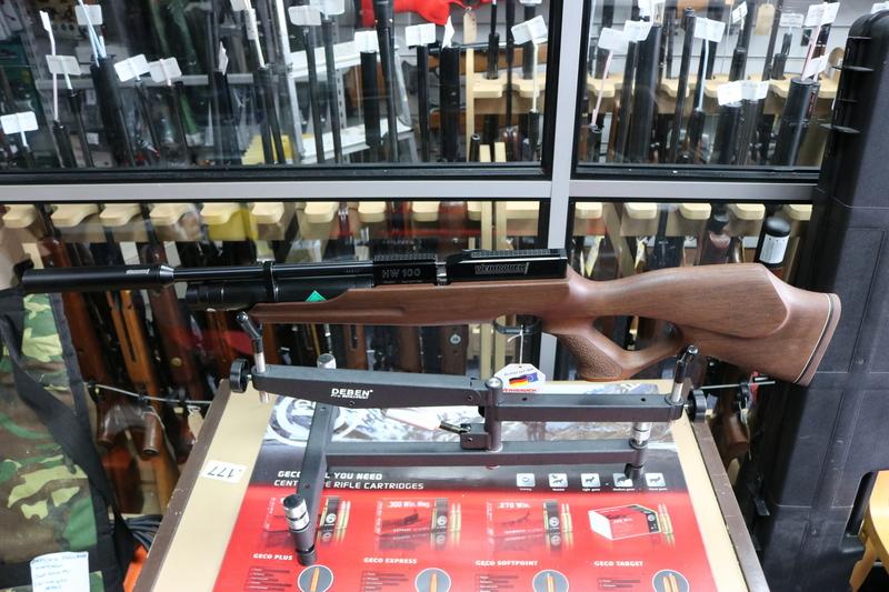 Weihrauch HW100KT - Karbine Thumbhole .22  Air Rifles