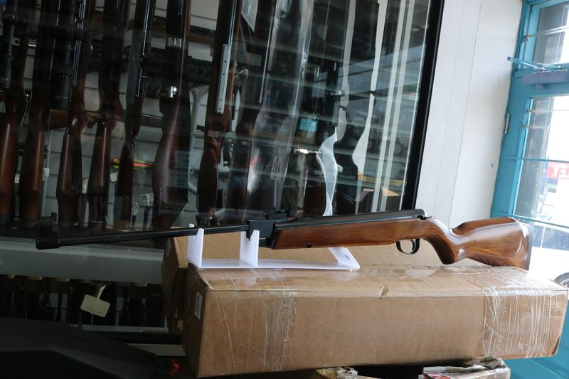 Webley / Webley & Scott VULCAN .177  Air Rifles