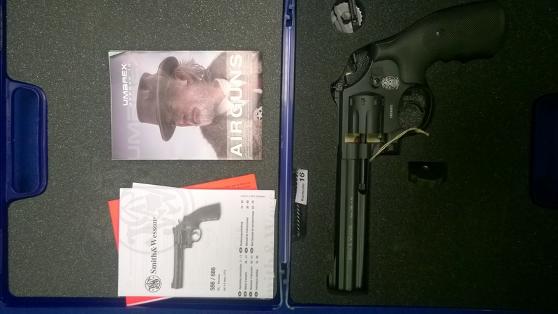 Umarex Smith N Wesson 586 .177  Air Pistols