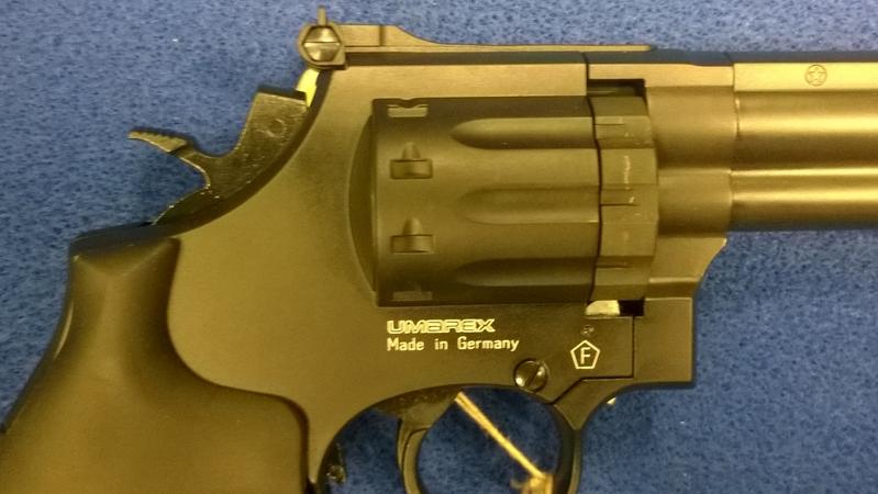 Umarex Smith N Wesson 586 .177  Air Pistols